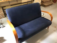 Blue two seater couch Pointe-Claire, H9R 5B2
