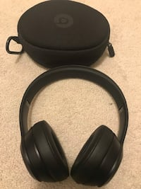 Matte Black Beats Solo 3 Wireless Headphones Vaughan, L4H 0B6