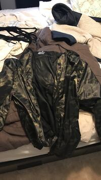 XL rocawear windbreaker  Kitchener, N2B 2N7