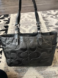 Authentic Metallic Grey Embossed Leather Coach Purse Brentwood, 94513