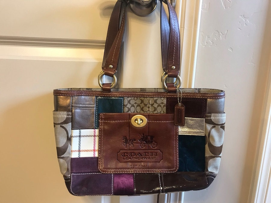 Photo Limited edition holiday patchwork Coach purse