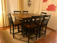 Dining table and chairs w/ storage compartment (7-piece dinette set) Arlington, 22204