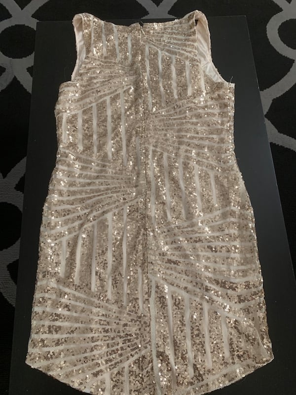 Gold dress  30ed8c7b-0807-4f25-b56c-6eecdf309960