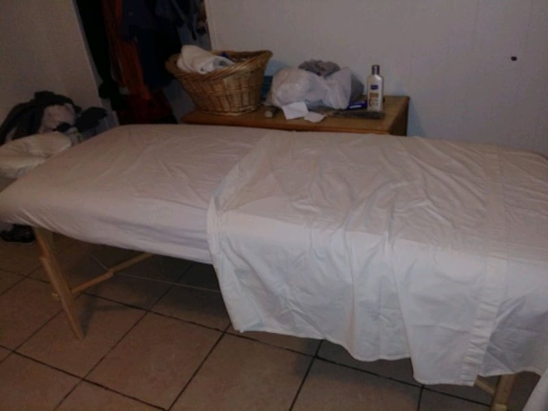 Massage Table. 266531f6-d70d-4a4d-9095-99495225daae
