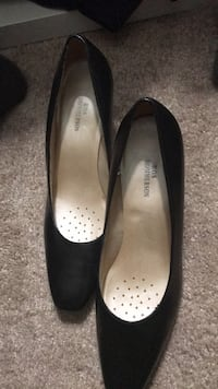 Pair of black leather flats Rockville, 20850