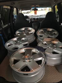 "18"" Chrysler Jeep rims.Rubicon, wrangler, grand Cherokee Jeep Liberty"