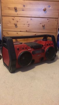 Red and black portable stereo Langley, V1M 2L6