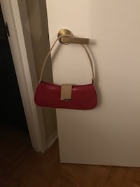Red and white leather crossbody bag 786 km