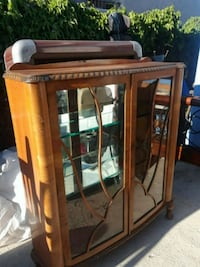 Vintage Showcase with hand-cut curved glass Los Angeles, 90731