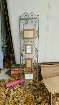 Iron decorative picture display assemby Thibodaux, 70301