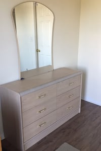 Dresser with mirror and 2 nightstands Toronto, M3K 1V2