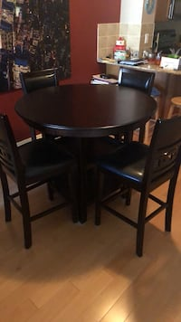 Dining room table set.  Vaughan, L4L 2S7