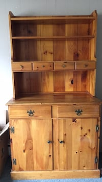 wooden hutch East Providence, 02914
