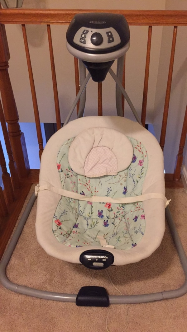 GRACO Baby's white and gray cradle and swing