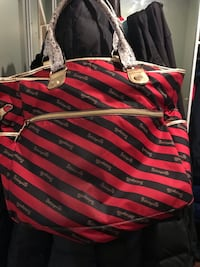 A betsey Johnson bag Longueuil, J4K