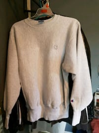Girls champion reverse weave sweater  North Vancouver, V7L 1A1