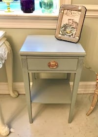 Solid mahogany federal style end table nightstand Kensington