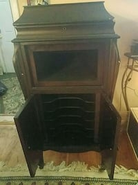 antique record player $100 /obo Manchester Township, 08759