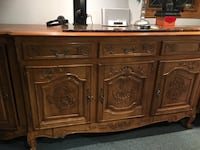 Beautiful hand carved antique furniture Hampstead, H3X 3G9