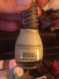 15 ml white Sinful colors nail polish bottle Lower Chichester, 19061