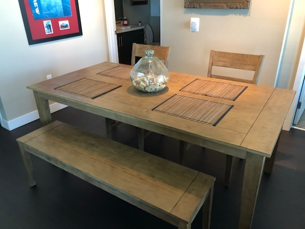 Round Table Aliso Viejo.Dinning Room Table