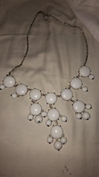 white pearl beaded necklace with earrings Hemet, 92545