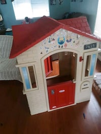 Little tikes house