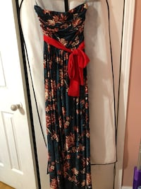 Mango maxi dress red and floral Mississauga, L4Y