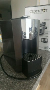Starbucks Verisimo coffee/espresso pod machine  535 km
