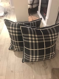 Brand new oversized pillows  Aurora, L4G 3X1