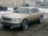 Lexus - LS400 -  Milwaukee, 53209