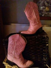 Little girls pink western boots  2044 mi