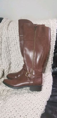 pair of brown leather boots Riverside, 92504