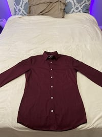 DEEP RED SLIM FIT BUTTON UP