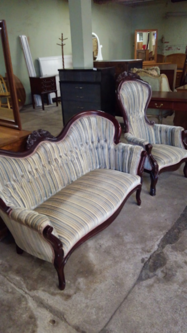 Used Beautiful Kimball Victorian 2 Pc Living Room Set For Sale In