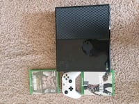 Xbox One console with controller and game case Eagle Mountain, 84005