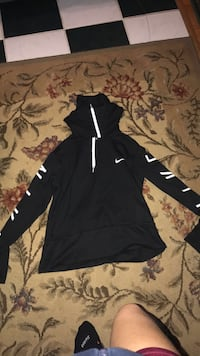 black and white Nike pullover hoodie Tacoma, 98404