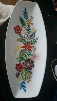 Decorated ceramic plat Mississauga, L5A 2H5
