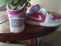 white-pink-and-gray air jordan 1 North Las Vegas, 89030