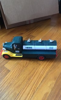 Hess Truck Manhattan Beach, 90266