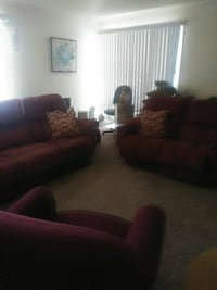 3 couch and round table Hyattsville, 20784