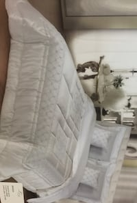Exclusive White Silk Queen Bed Spread from Europe Vaughan, L6A 1E8
