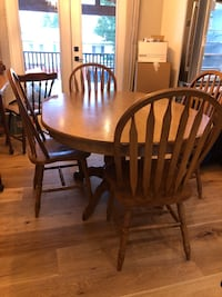 Kitchen table with 4 chairs Coquitlam, V3J 0E3