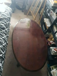 Coffee table with matching side table Mississauga, L5N 2W2