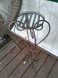 Iron Plant stand Irving, 75060