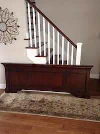 King footboard $20 for bed Toronto, M1W 1K3