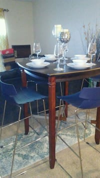 round brown wooden table with four chairs dining s Pittsburg, 94565