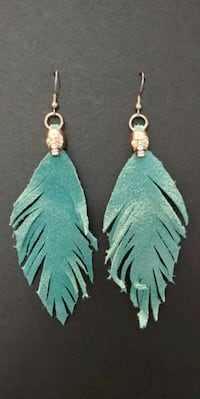Hand made suede feather earings Winnipeg, R3L 1K1