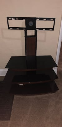 Black wooden tv stand with mount Columbus, 43211