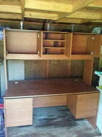 brown wooden desk with hutch 555 mi